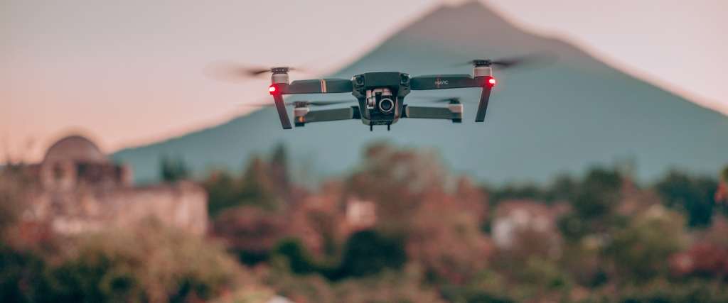 Self Driving drones outperformed beats 2 human-driven drones in a race
